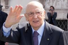 Piazza Affari accelera. Il mercato festeggia Napolitano e il possibile nuovo Governo.