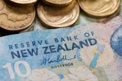 RBNZ al rialzo dei tassi, GBP in calo